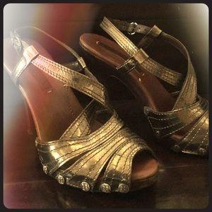 BCBG silver boho chic heels!!! 🌸🌼👡☮️